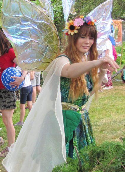 Fairy Sprinkling Fairy Dust